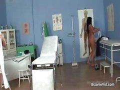 Kinky esmer doktor eğlence part2 bir yeri vardır