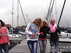 Stor häck blonda bakifrån A obehaglig boat trip