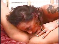 Expert brunett lesbisk klitoris suger för stora bröst blond PT3