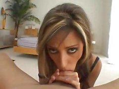 Lela Starr är en vacker porrstjärna som får det bra i denna dubbla funktion