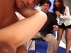 Молодые азиатские Hotties давать минеты и получить от них и влагалища finge