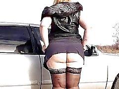 толстушка волосатое тело писающие пиздой на машине
