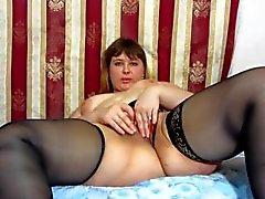Masturbates de la muchacha rusa gorda)