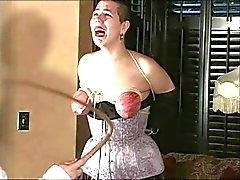 harte Folterung der kurzhaariger Sklave 1 von 2 eine