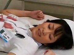 Asian Amateur in Krankenschwesteruniform
