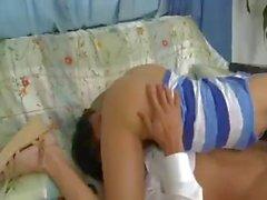 Lazy Teenager Babysitter in den Arsch fickte für ihrer Fehlverhaltens