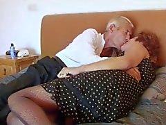 Calze a rete nonna scopa il nonno