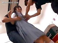 Aasian koulutyttö nielläiso kuorma tuoretta cum
