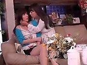 CYAQ-004 Belle épouse et à côté de l'épouse du caché