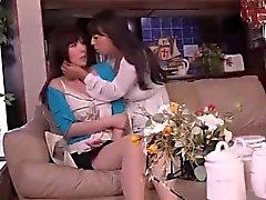 CYAQ - 004 kaunis vaimo vieressä ja vaimon piilotettu