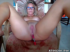 Aged dilettante mommy masturbating on live camshow