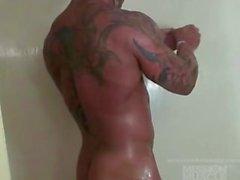 musclebull tyler tanned