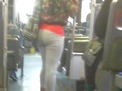 härlig rumpa i bussen