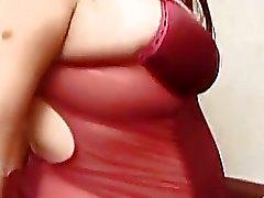 Novia embarazada jugosa en lingerie