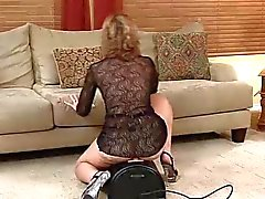 Hot Aikuinen Rides Sybian ... IT4REBORN