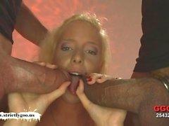 Gullig Lucie älskar Monster tuppar - tyska flickor Smet
