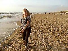 Andreea adlı kullanıcıya ile birlikte kumsalda bir akşam