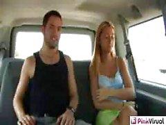 Le gingembre Lee a Backseat Banger