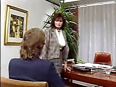 Duitse MILF anaal op kantoor