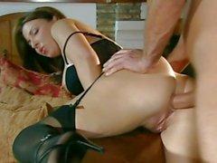 Анальный секс шлюха Мария Беллучи высасывает на твердой укол перед тем, как ее задница измельченный