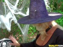 Horny blonde babes Molly and Jana play hard