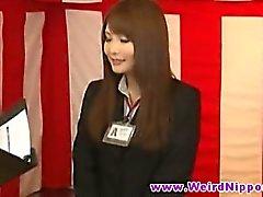 Japanilainen nuorten namupalojen pusertamalla Babes kaunista tissit