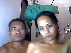della filippina mamma shanell danatil e il suo ragazzo sulla camma