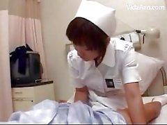 Hastaneler On Bed Busty Hemşire Kese Hastalar Cock ile Tits Cum için Tits