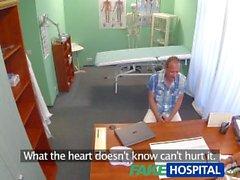 FakeHospital Hasta sıcak esmer hemşiresine bir kremalı pasta verir