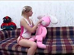 сперма в жопе за косичкой девочка