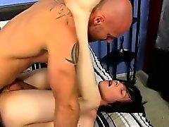 Araba naked di sesso gay corneo ragazzo giovane Tyler Bolt è ou