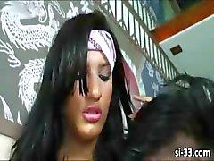 Tabaklanmış tranny Stefane Marinho damızlık sikikleri
