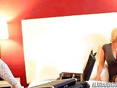 Brandie Mae birlikte Alura'nın Jenson Milf üçlü sikiş Tutuklandı