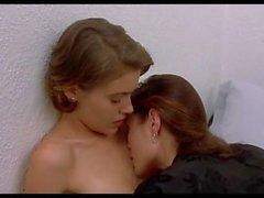 Alyssa Milano scènes de nu et lesbiennes NEW HD