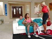 Alina Li teilt ihre Mann hot mom Nikki Benz
