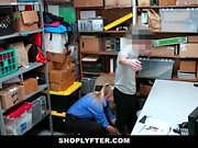 ShopLyfter - Guy Gets Domineras av LP Officer