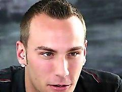 Ambitionierten durchstochene großes Stück dauert Gesichtsbehandlung am gaycastings