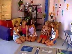 5 ragazze Orgie