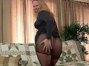 La figa pantyhosed Mom di lei ottiene tutta caldo e cornea