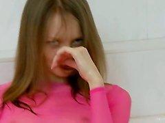 Russian superschlank Küken auf dem bath