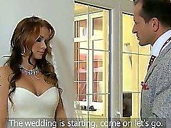 Riesige Titten bride durchgefickt & creampied