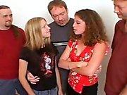 Две подростков шлюхи групповой Группа порно для спермы !