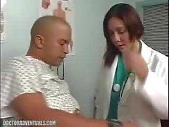 Azgın Hasta kadın doktor ile seks