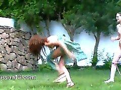 Venäläinen poikasten vesiurheiluun grass