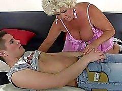 jongens sex met jongens oude buurvrouw neuken