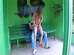 Otobüs durağına bizim ilk açık seks