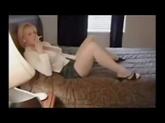Amateur Smoking blondi