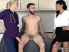 Nymphos peta män anal i monster bälten cocks samt Nylon satsen