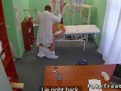 Bir doktor san bra hasta sikikleri