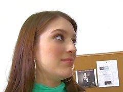 InnocentHigh Sexy brunette kleine tieten schoolmeisje tiener Zarena Summers eikels prof